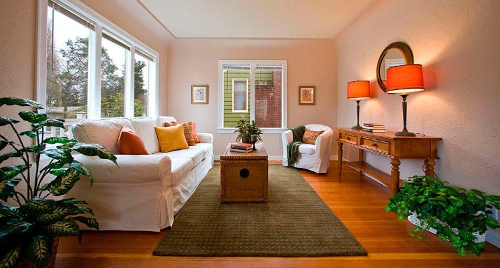 Decoraci n para salones rectangulares - Como decorar una mesa de comedor rectangular ...