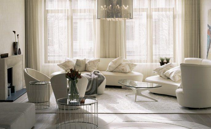 Sal n minimalista en blanco y negro im genes y fotos for Salones pequenos blancos